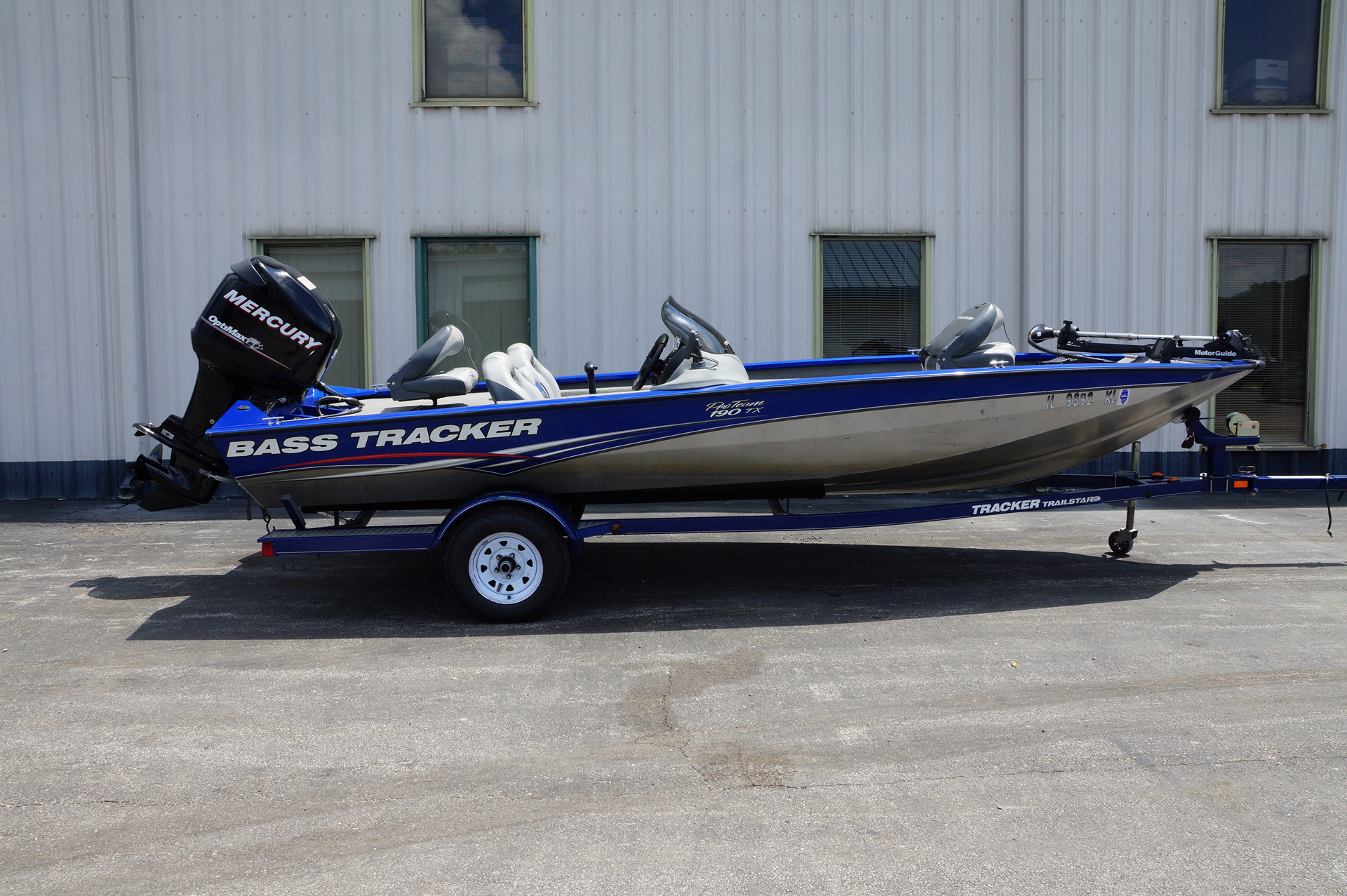 2010-Bass Tracker Pro Team 190-1
