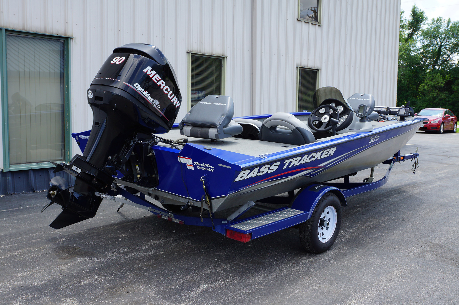 2010-Bass Tracker Pro Team 190-3