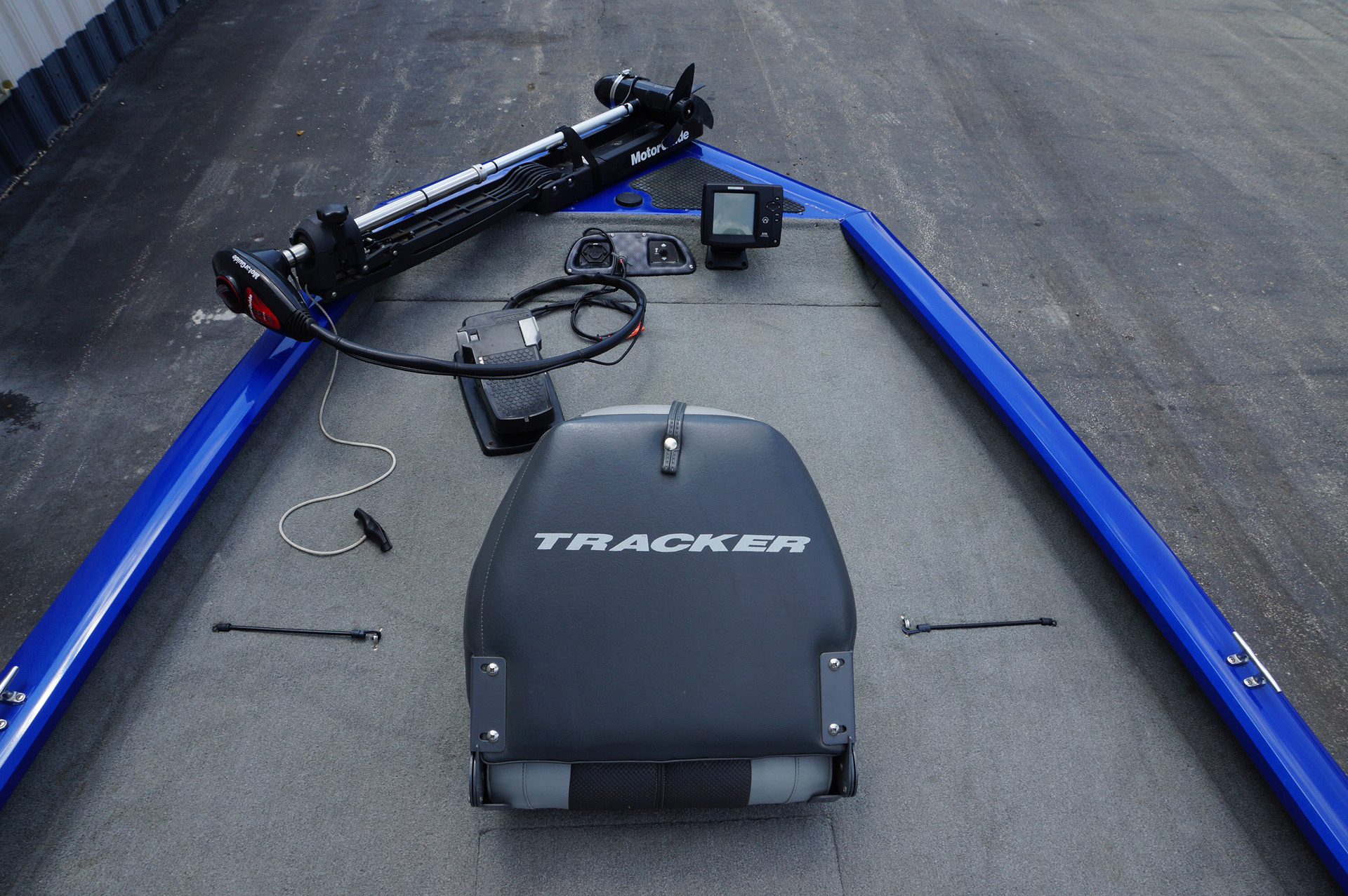2010-Bass Tracker Pro Team 190-7