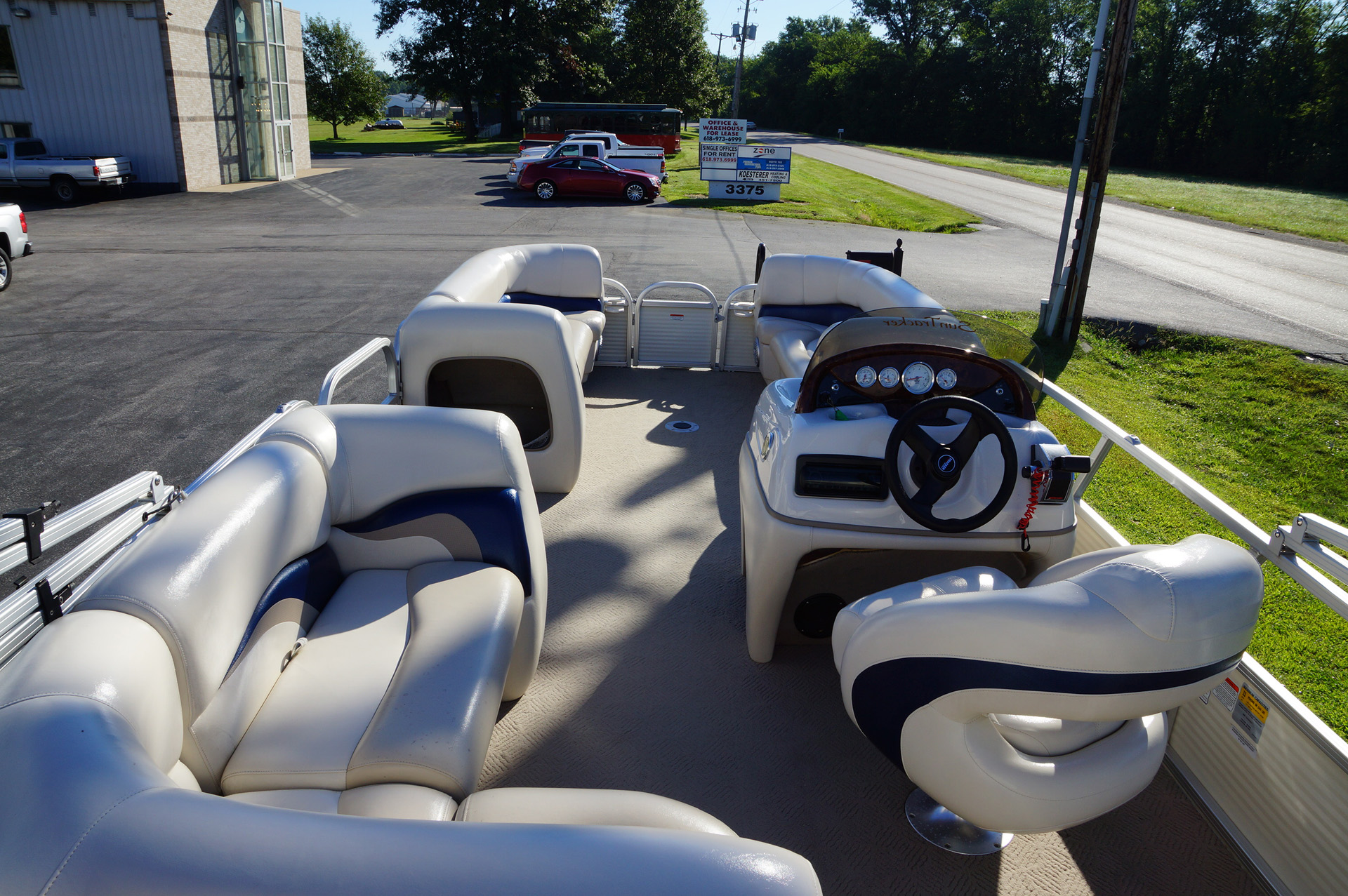 2010-tracker-party-barge-21-15
