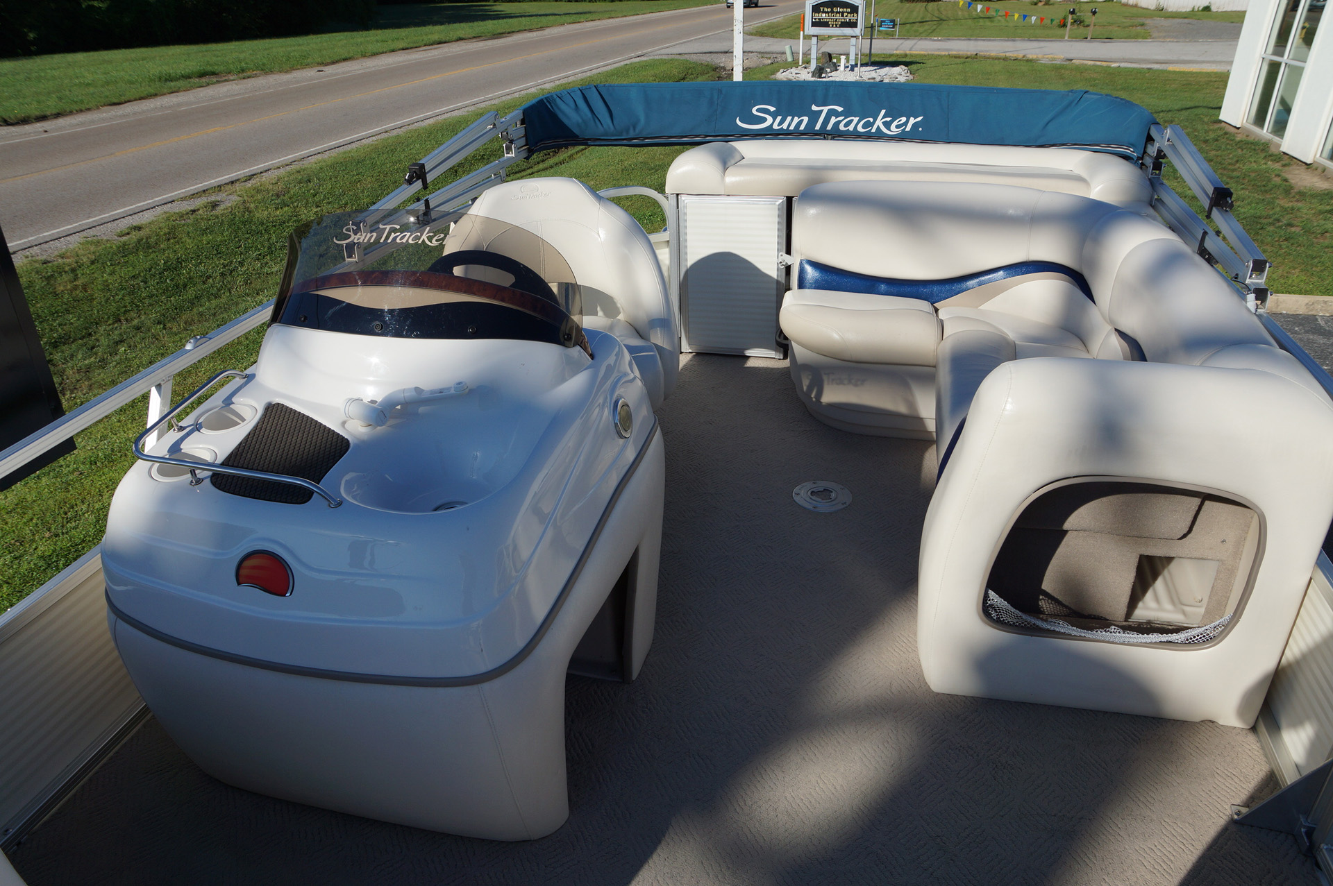 2010-tracker-party-barge-21-17
