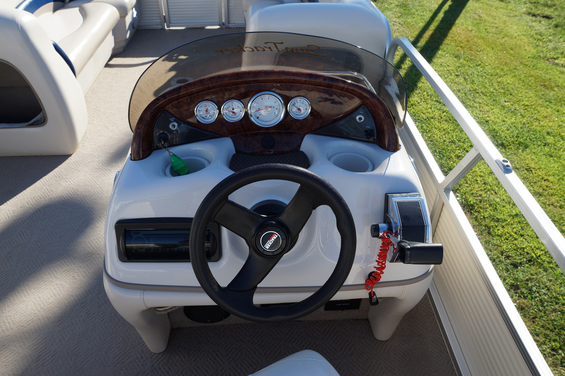 2010-tracker-party-barge-21-18